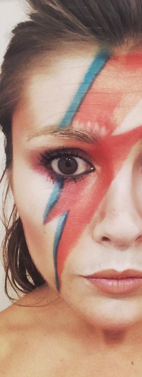 David bowie ziggy stardust musique maquillage éclair pop star