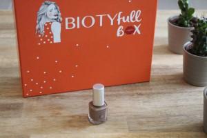biotifull box mois d'avril vernis avril