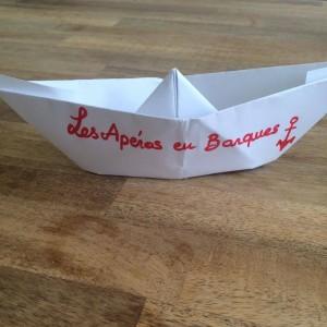 barques apéro en barques sur l'eau