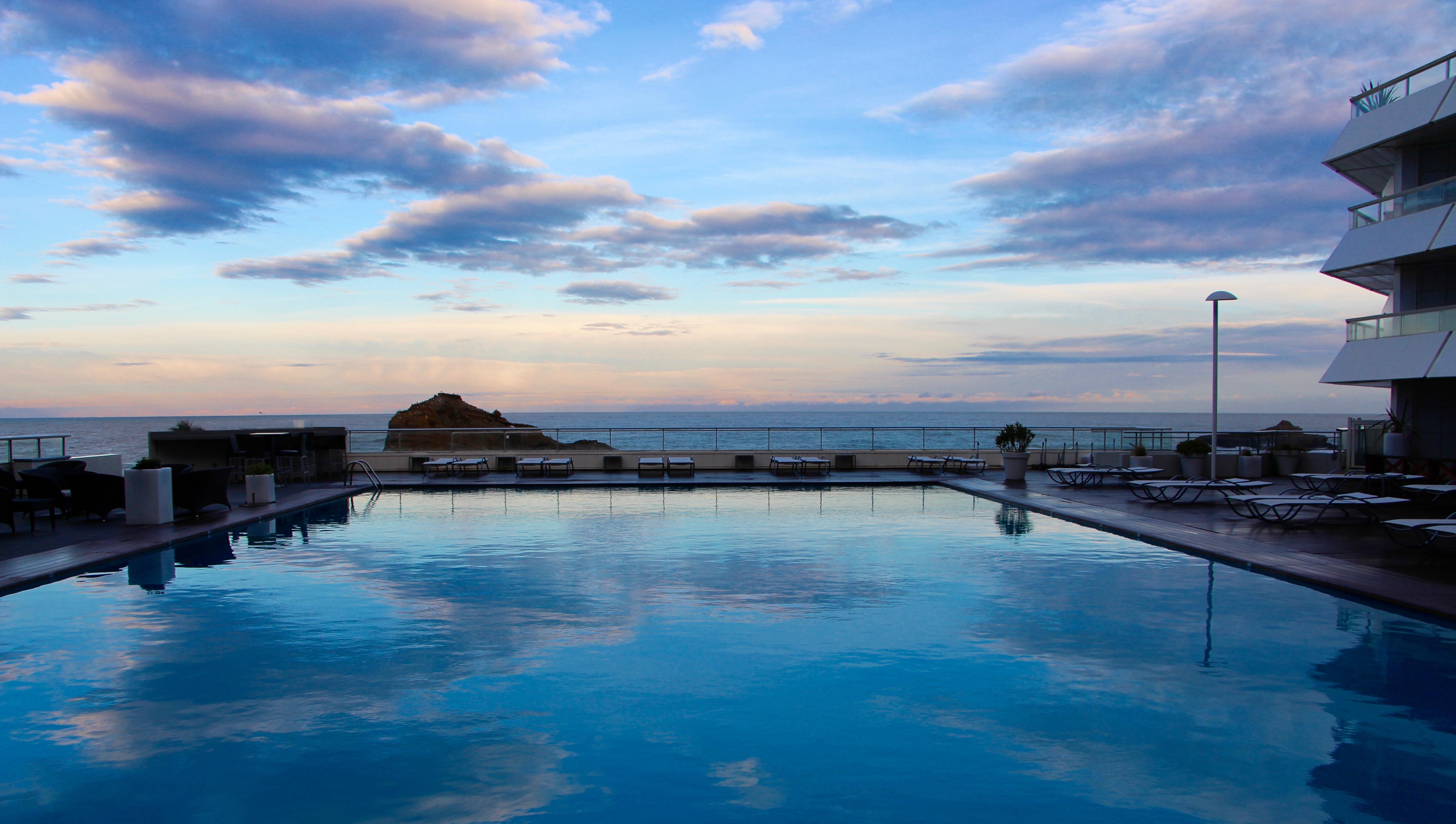 piscine eau de mer sofitel biarritz