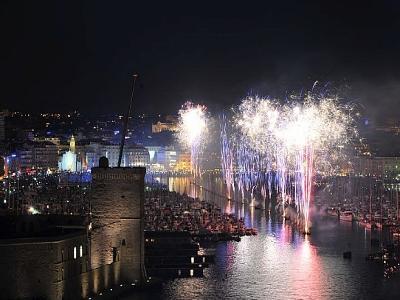 Festivités et feu d'artifice Marseille Vieux Port