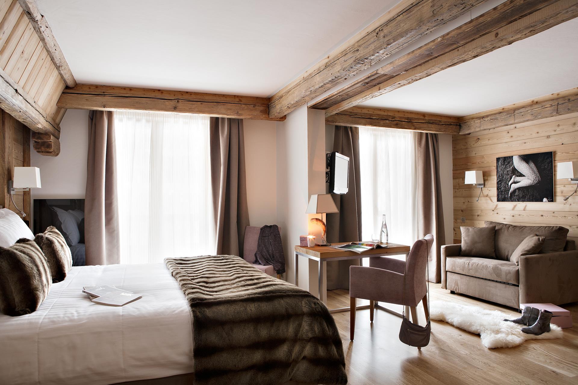chambre suite junior au coeur du village hotel la clusaz